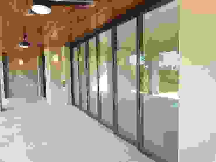 VENTANASMX Finestre & Porte in stile classico Alluminio / Zinco Marrone