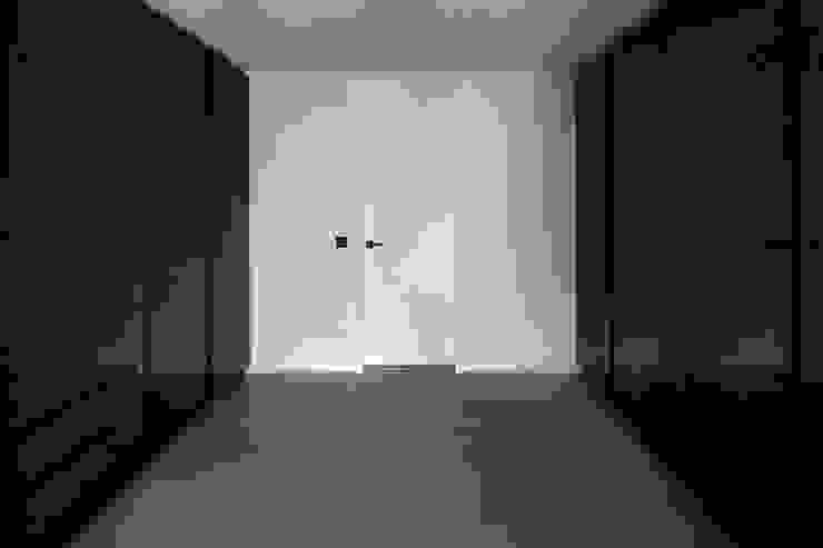 Hammer & Margrander Interior GmbH Spogliatoio moderno