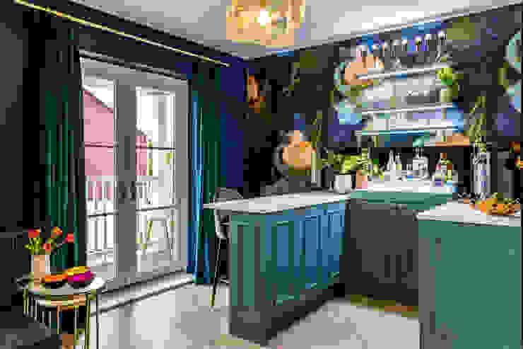 Bar & Media Room in Family Home Decorbuddi Modern living room Blue