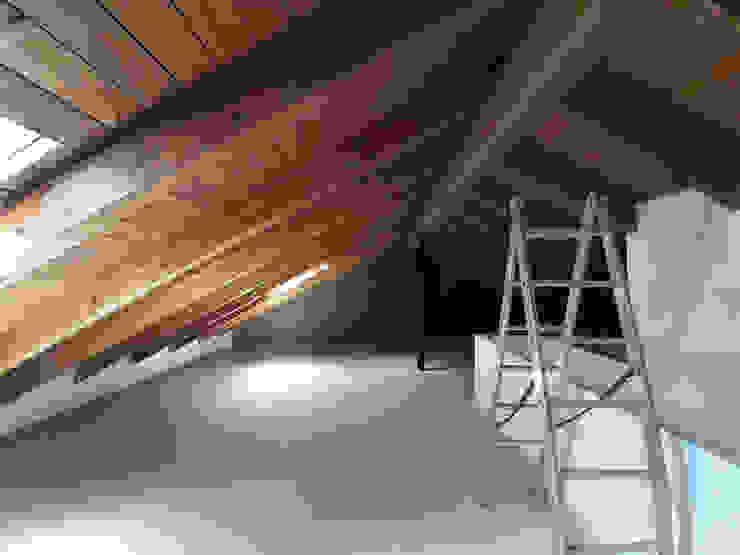 GF CONSTRUCCIÓN SOSTENIBLE S.L.U Rustikale Arbeitszimmer Massivholz