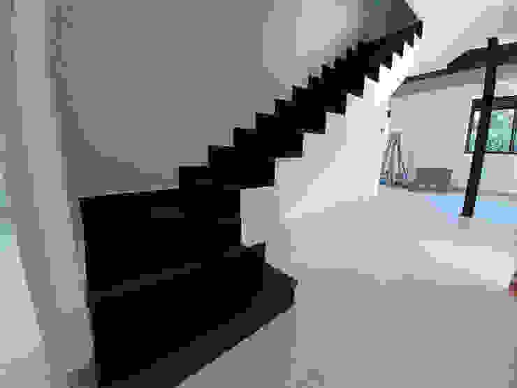 GF CONSTRUCCIÓN SOSTENIBLE S.L.U Treppe Keramik Schwarz
