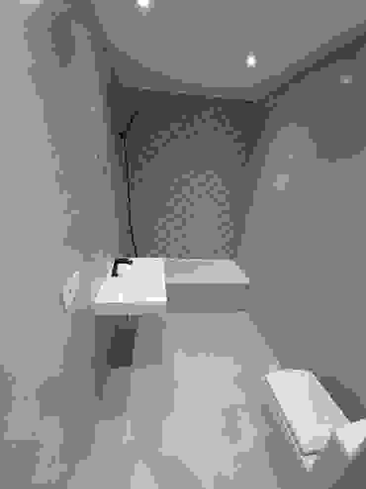 GF CONSTRUCCIÓN SOSTENIBLE S.L.U Moderne Badezimmer Keramik