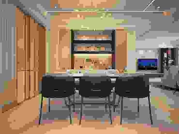 澄玉二期 / 實品屋 群築室內裝修設計有限公司 餐廳 White
