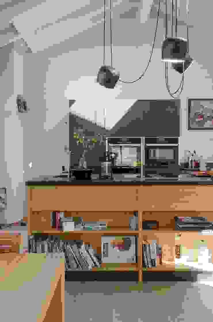 Cozinhas modernas por Angela Baghino Moderno