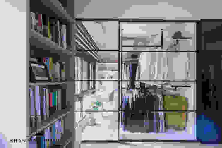沙瑪室內裝修有限公司 Industrial style dressing room