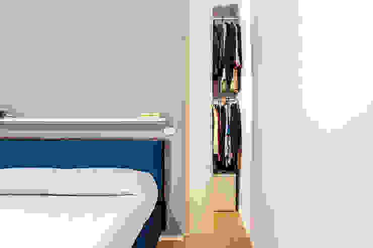 Camera da letto e cabina armadio Camera da letto moderna di Facile Ristrutturare Moderno