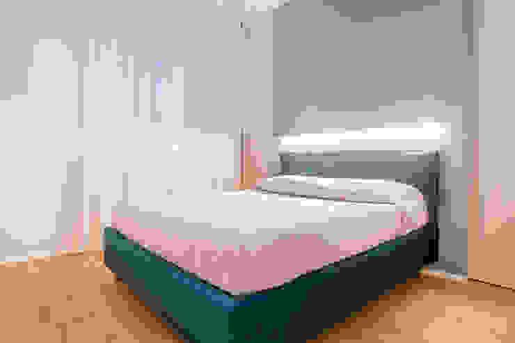 Camera da letto Camera da letto moderna di Facile Ristrutturare Moderno