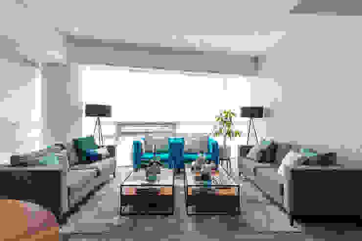 Sala Salones modernos de Soma & Croma Moderno Derivados de madera Transparente
