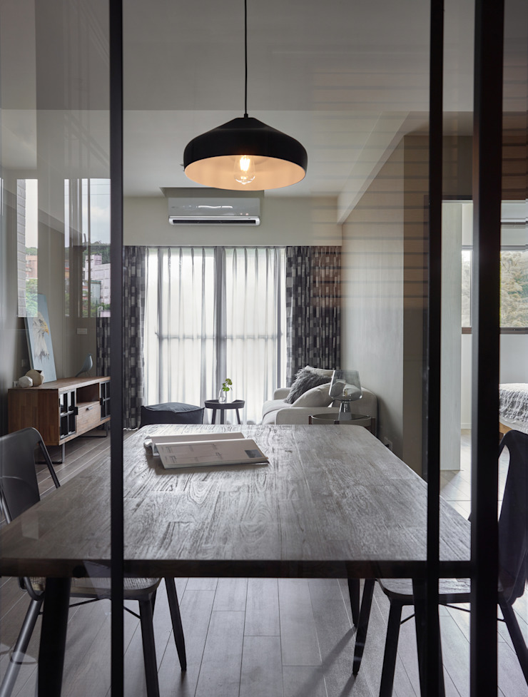 耀昀創意設計有限公司/Alfonso Ideas Livings de estilo escandinavo