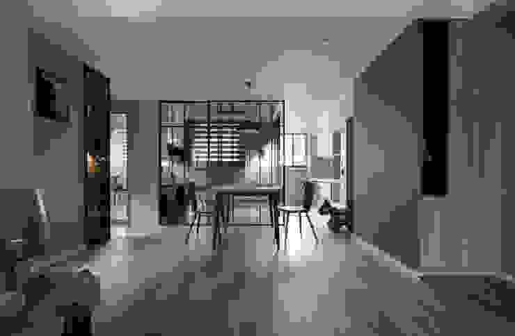 耀昀創意設計有限公司/Alfonso Ideas Pasillos, halls y escaleras escandinavos
