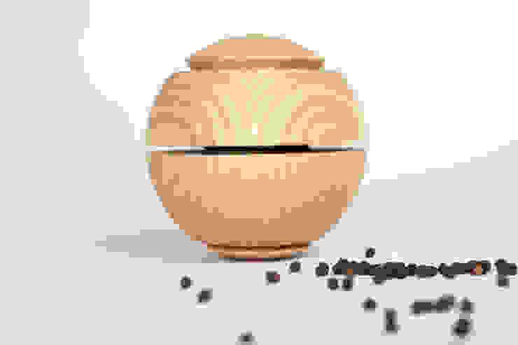 Gewürzmühle Esche Natur, www.gewuerzmuehle-kohl.de von Guido Kohl Produktentwicklung / Industrialdesign Minimalistisch Holz Holznachbildung