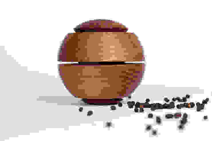 Gewürzmühle gedämpfte Akazie, www.gewuerzmuehle-kohl.de von Guido Kohl Produktentwicklung / Industrialdesign Minimalistisch Holz Holznachbildung