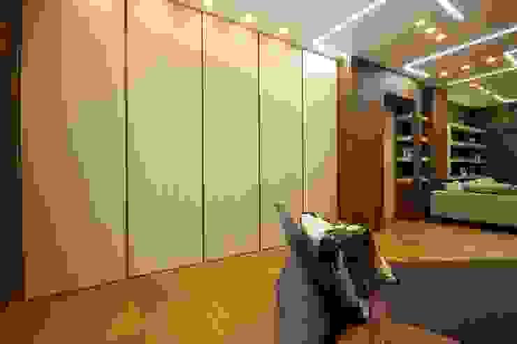 Studio Ferlenda Modern Corridor, Hallway and Staircase Wood Wood effect