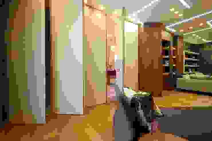 Studio Ferlenda Pasillos, vestíbulos y escaleras de estilo moderno Madera Acabado en madera