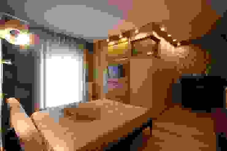 Studio Ferlenda Modern Bedroom Brown