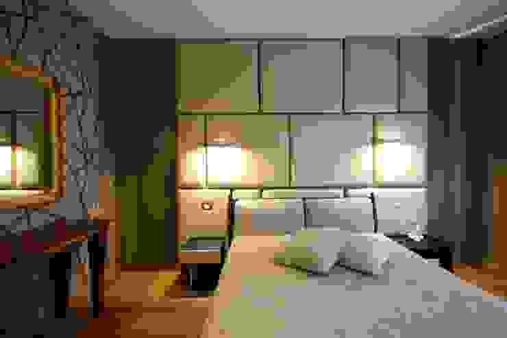 Studio Ferlenda Modern Bedroom Wood Brown