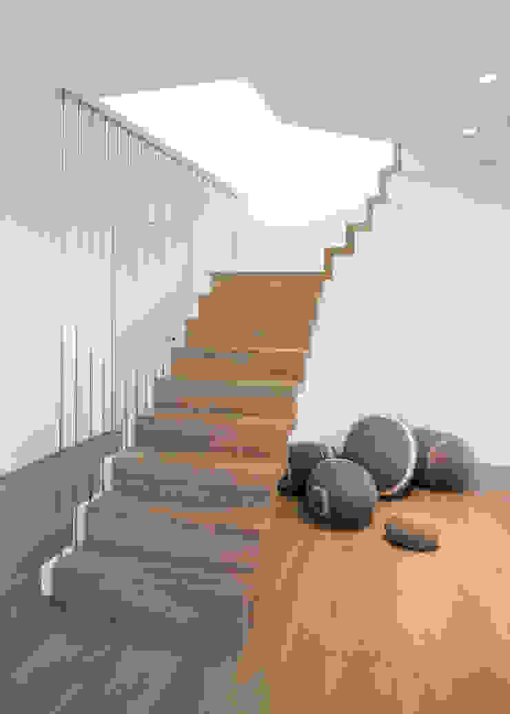 schulz.rooms Koridor & Tangga Modern