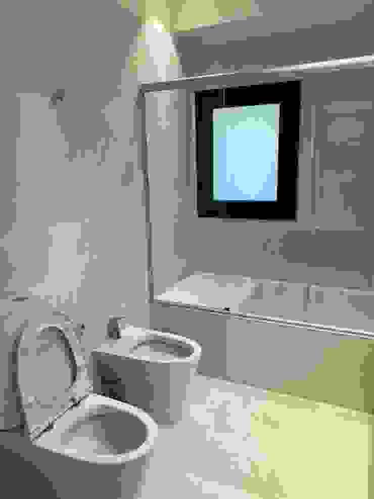 Fainzilber Arqts. ห้องน้ำ