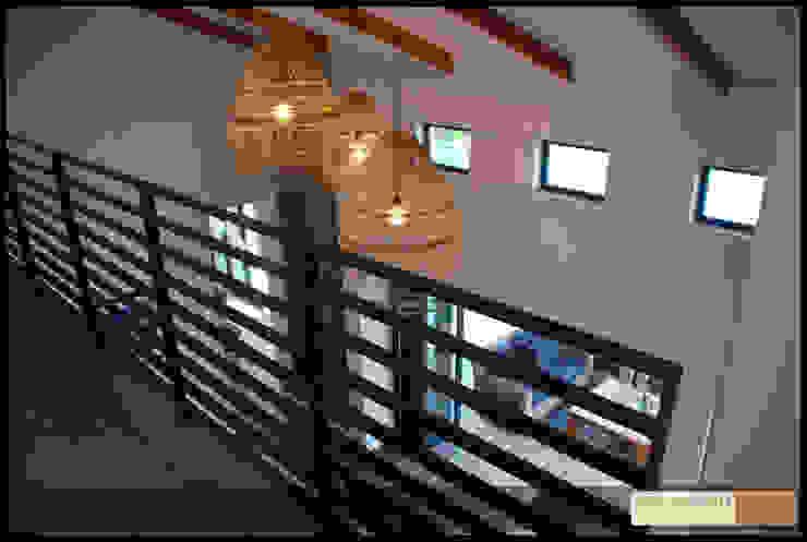John McKenzie Architecture Pasillos, vestíbulos y escaleras de estilo moderno