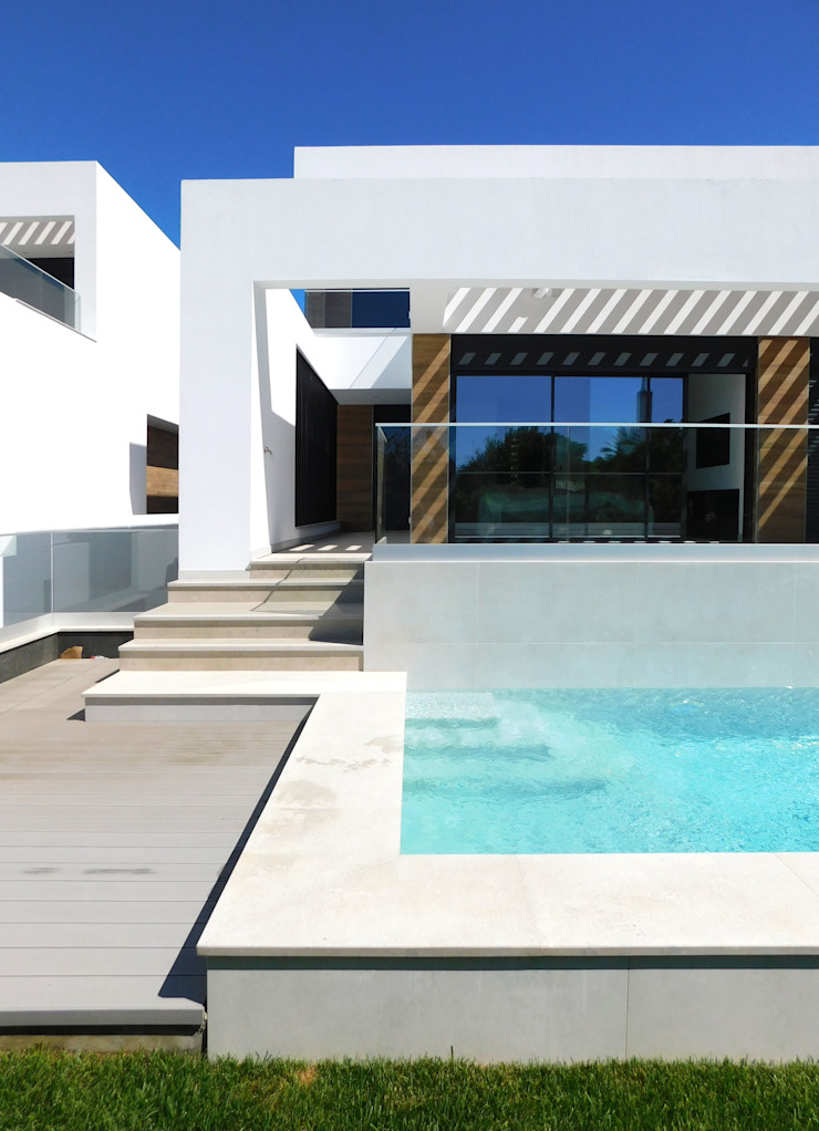 Luís Duarte Pacheco - Arquitecto Piscine moderne Blanc