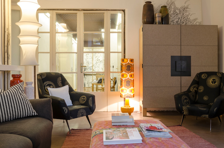Tra ingresso e soggiorno Angela Baghino Soggiorno moderno