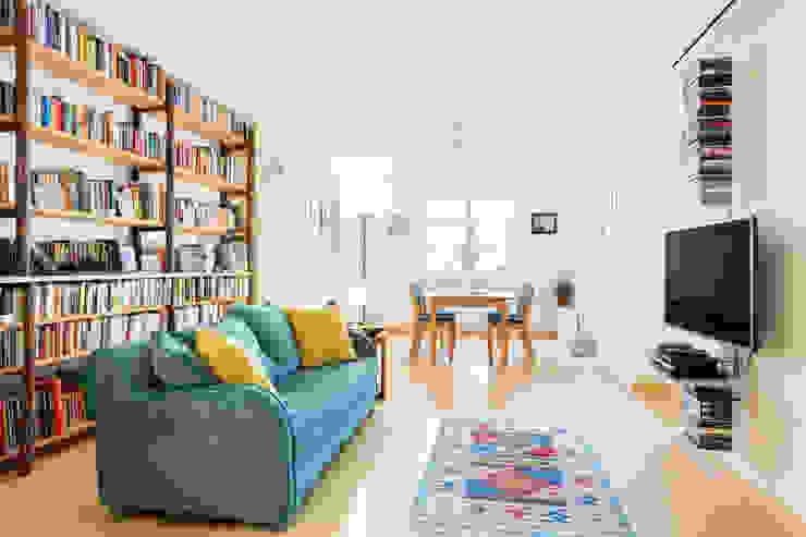 Moderne woonkamers van Angela Baghino Modern