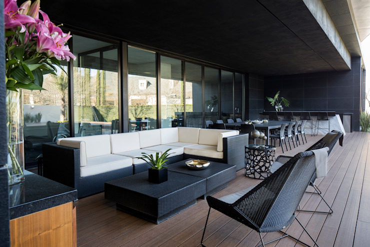 GLR Arquitectos Modern style balcony, porch & terrace