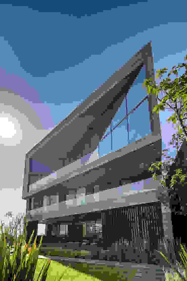 GLR Arquitectos Modern houses