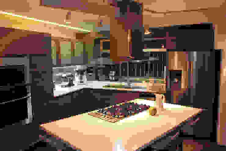 emARTquitectura Arte y Diseño Dapur Modern
