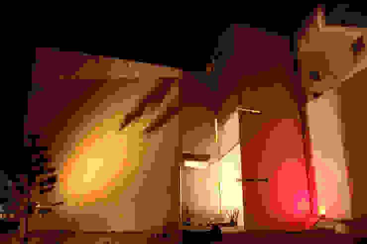 emARTquitectura Arte y Diseño Rumah Modern