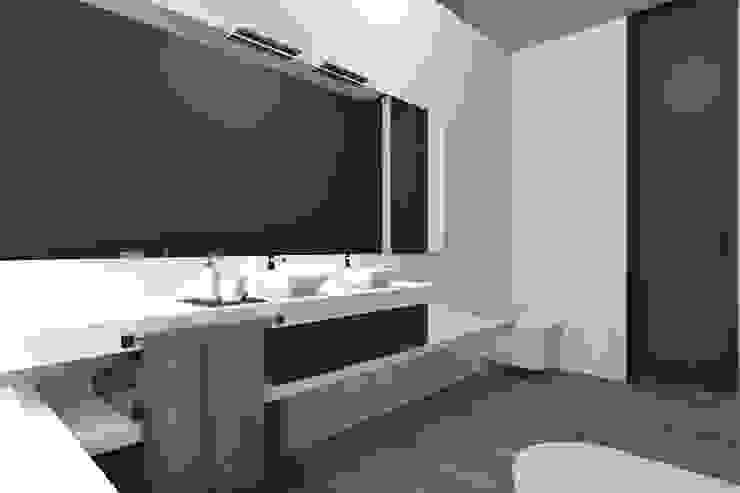 Projeto Rubi - Instalação sanitaria Casas de banho modernas por Magnific Home Lda Moderno