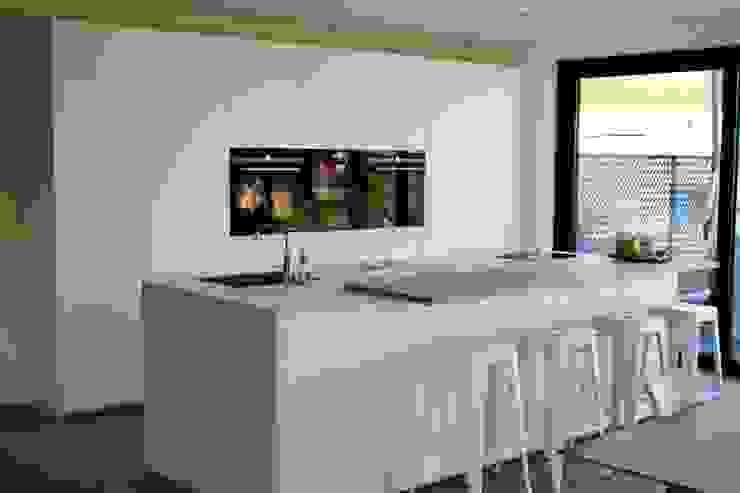 NewLook Brasschaat Keukens Dapur built in Kayu White