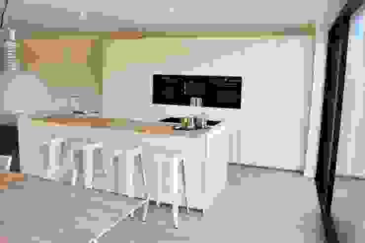 NewLook Brasschaat Keukens Dapur built in Keramik White