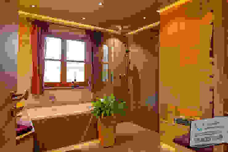 Stefan Necker Tegernseer Badmanufaktur & BadRaumKonzepte Country style bathroom