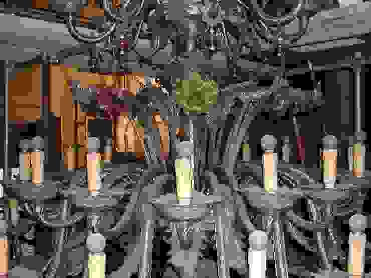 Lampadario in restauro a Palazzo Mazzetti (Asti) MULTIFORME® lighting SoggiornoIlluminazione Vetro