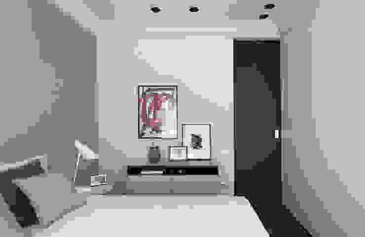 MANUEL GARCÍA ASOCIADOS Camera da letto moderna Bianco