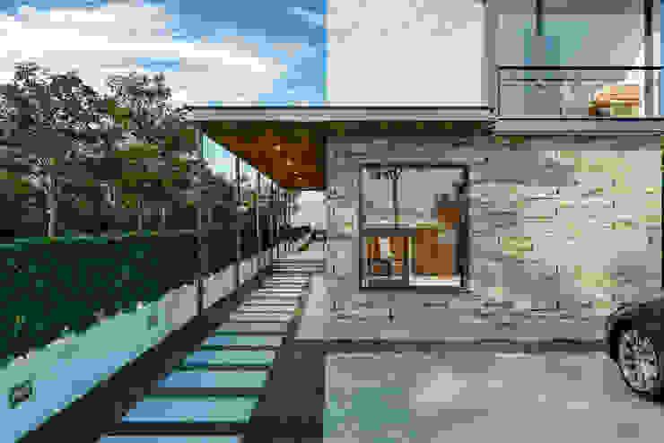Villa Karaoğlanoğlu Modern Evler yücel partners Modern