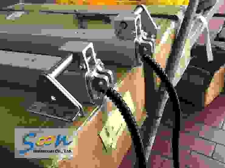 Automatic Outward Opening Window In Big Automobile Maintenance Plant - photo 4 Soon Industrial Co., Ltd. 汽車交易商 鋁箔/鋅 Grey