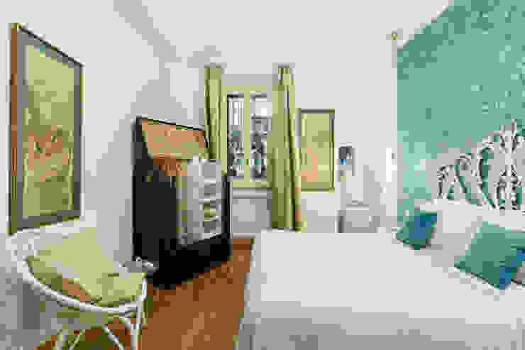 Tania Mariani Architecture & Interiors СпальняШафи і шафи