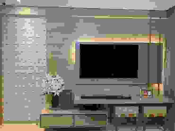 Feng Shui Suly Barreto Living roomShelves MDF Wood effect