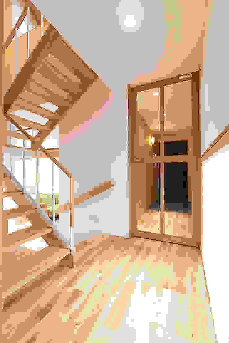 アトリエ・アースワーク Stairs Solid Wood White