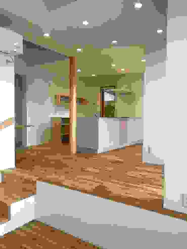 アトリエ・アースワーク Built-in kitchens White