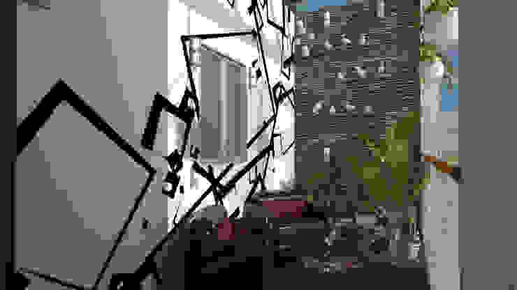 Thittagudi villa @ Chennai V R Architecture Studio Balcony