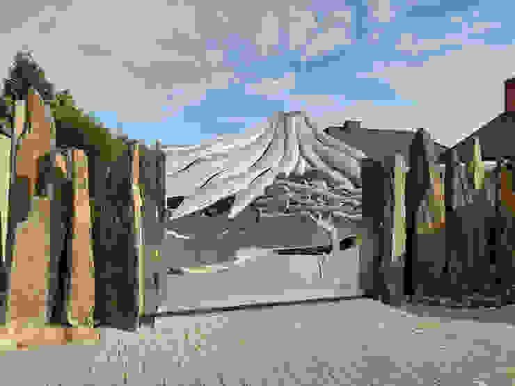 Vulkantor Fertig Edelstahl Atelier Crouse: Vorgarten Metall Metallic/Silber