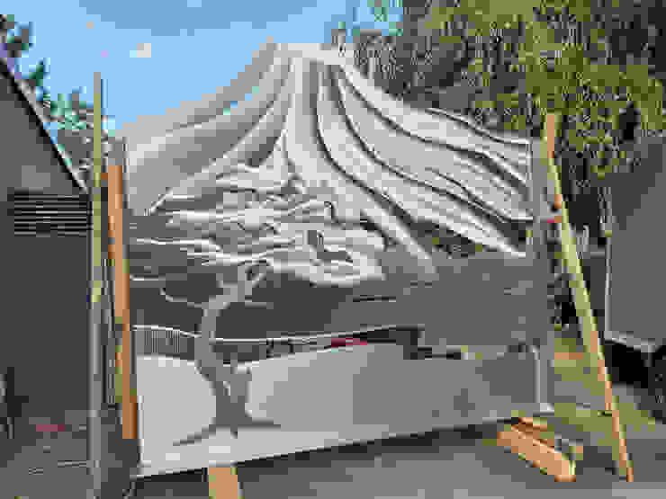 Nahaufname des Fertigen Projektes Edelstahl Atelier Crouse: Vorgarten Metall Metallic/Silber