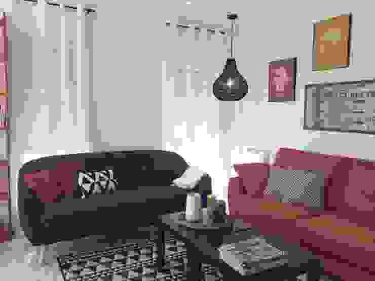 Un sofá retro que combina de A interiorismo by Maria Andes