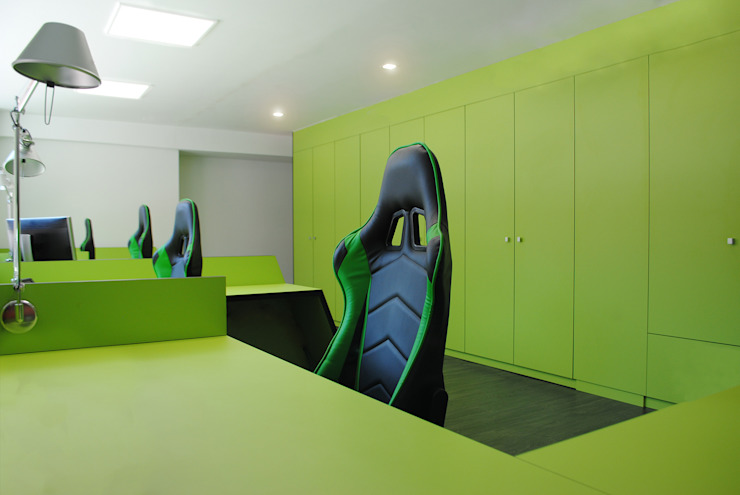 MANUEL TORRES DESIGN Office spaces & stores Green