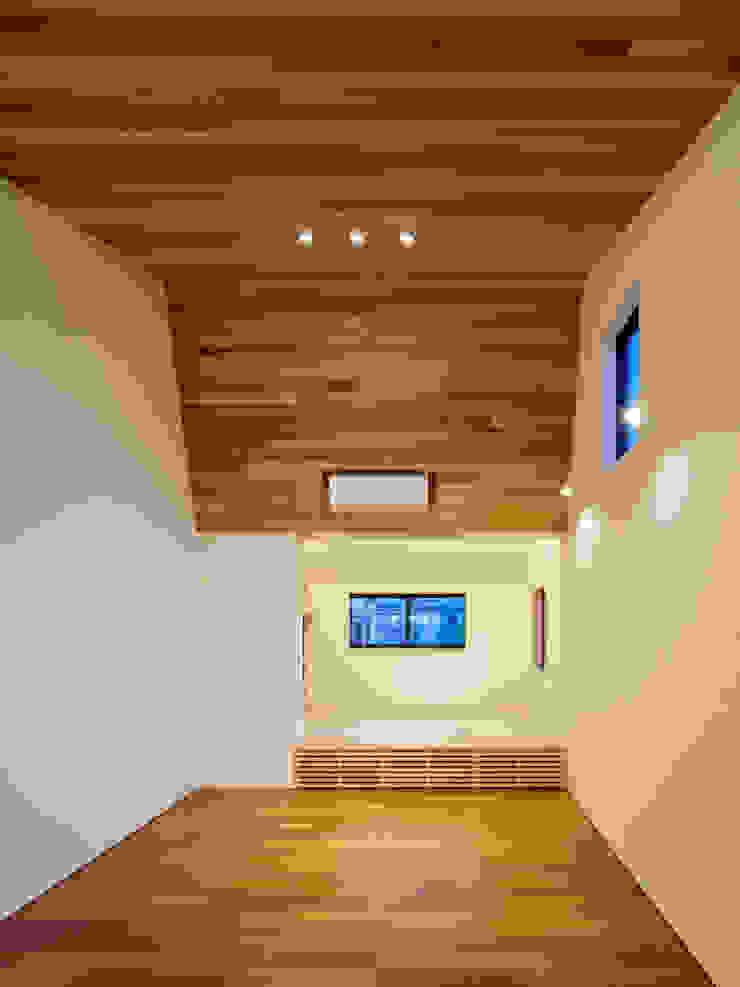 設計事務所アーキプレイス Living room Wood Wood effect