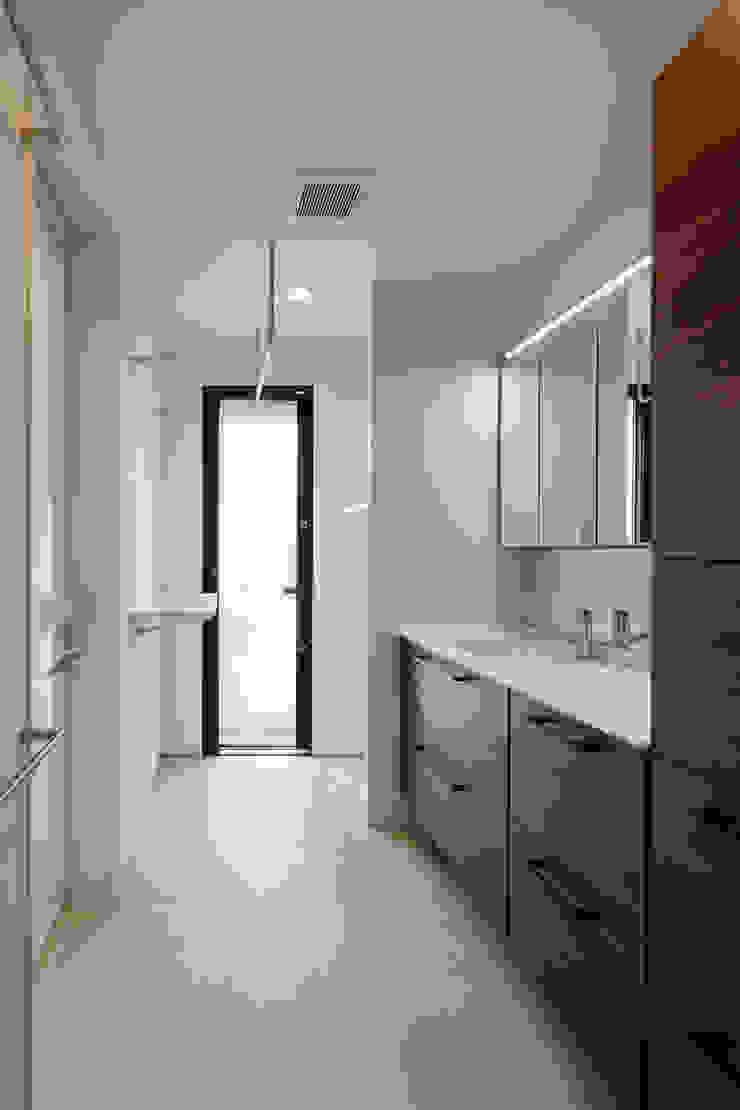 設計事務所アーキプレイス BathroomShelves Plywood White