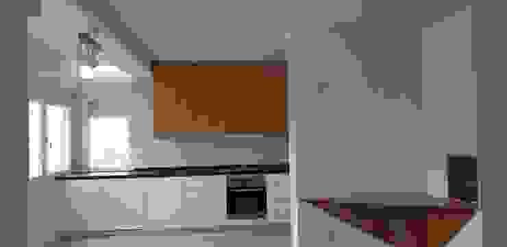 RAIZ QUADRADA Kitchen units White